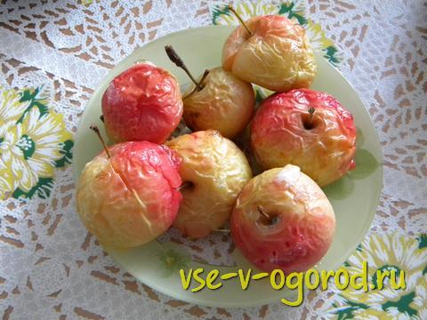 запеченные яблоки, Как запечь яблоки в духовке,запеченные яблоки в духовке, яблоки запеченные в духовке, Запеченные яблоки с сахаром, Запеченные яблоки с маслом